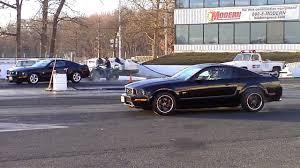 2009 Mustang Gt Black 2005 Mustang Gt Vs 2009 Mustang Gt Grudge Match 1080p Youtube