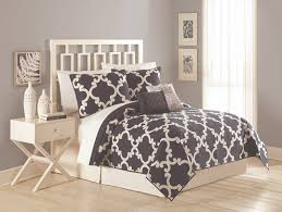 maryjane u0027s home 5 piece textured trellis quilt set