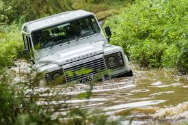 range rover defender 2018 2015 land rover defender 110 vs 2017 land rover discovery