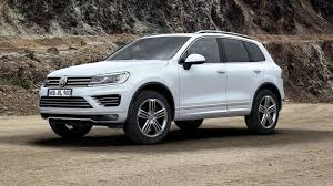 volkswagen touareg black volkswagen touareg facelift hits uk market from 43 000 gbp