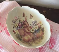 cracker barrel easter dishes cracker barrel ceramic easter treasures basket weave bunny dish