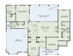 low budget modern 3 bedroom 1000 images about house plans on square with regard