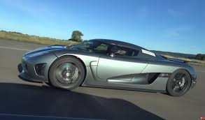 koenigsegg ferrari koenigsegg agera r vs bugatti veyron grand sport vitesse drag race