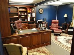 bureau de travail maison le bureau en bois massif est une classique qui ne se démode pas