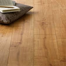 laminae warren oak laminate flooring at homebase co uk