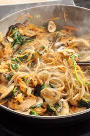 comment cuisiner des nouilles c est moi qui l ai fait japchae jab chae ou chap chae