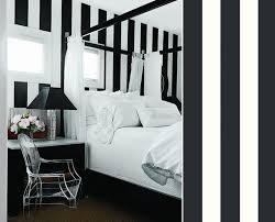 chambre noir et blanche papier peint magnus de sandberg architecture intérieure