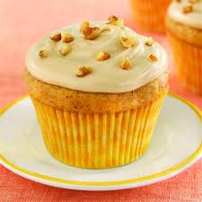 maple frosting banana nut cupcakes with maple frosting