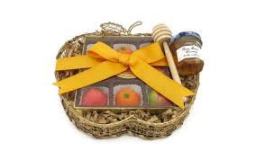 rosh hashanah gifts 8 rosh hashanah host gifts that everyone will kveller
