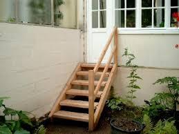 treppen bochum kleine holztreppe zum garten außentreppen aus massivholz
