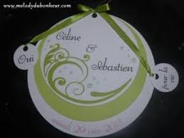 faire part mariage rond faire part rond vert et blanc avec breloques par melodydubonheur