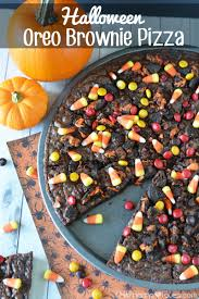 halloween oreo brownie pizza this mama loves