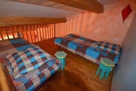 faire chambre d hote suite familiale en mezzanine offrant un volume supplémentaire avec