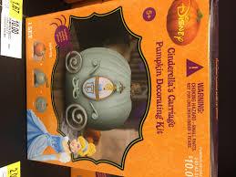 Cool Disney Finds – Pumpkin Decorating at Tar