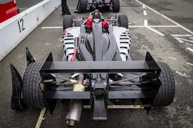 formula 3000 driving a formula 3 car at the simraceway performance driving