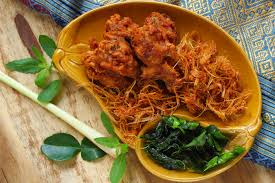 petit de cuisine en thaïlande les cuisiniers de rue vendent le poulet frit dès