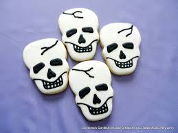 scary skull decorated sugar cookies for halloween 2504