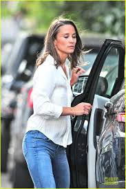 pippa middleton grabs drinks with pal tom kingston in london