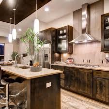 armoire de cuisine rustique cuisine rustique contemporaine 50 idées de meubles en bois