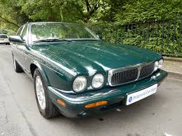 jaguar xj 3 2 xj8 executive 4dr belgravia garage car sales