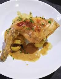 lapin de cuisine fricasseé de lapin á la moutarde pommes de terre rabbit leg in
