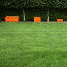 g bl sessel sofa mit passendem sessel kubrick 2 sitzer sofa anthrazit made com