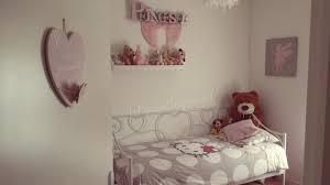 photo de chambre de fille chambre de fille idées populaires chambre fille et taupe