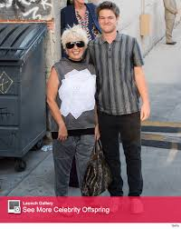 new look for roseanne barr 2015 with blonde hair roseanne barr makes rare appearance with son buck in l a toofab com