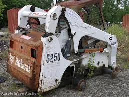 2004 bobcat s250 skid steer item l3033 sold june 13 pav