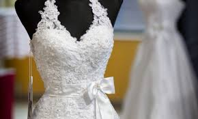 wedding dress material hints to help you select the wedding dress fabric smart tips