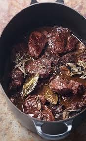 cuisiner du boeuf en morceaux recette daube mijotée à la sauge
