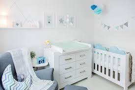 kinderzimmer deko ideen babyzimmer hellblau grau mummyandmini