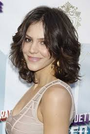 collarbone length wavy hair beautiful short to medium length hairstyles for curly hair