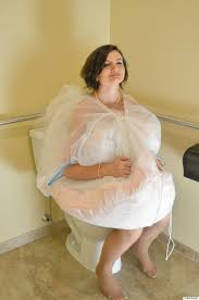 bridal buddy is the new invention to help brides use the toilet