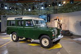 matchbox land rover defender 110 2016 final land rover defender rolls off production line in solihull