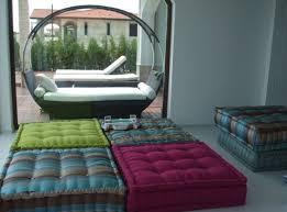 canapé coussin de sol idées d oreillers et coussins de sol pour votre intérieur