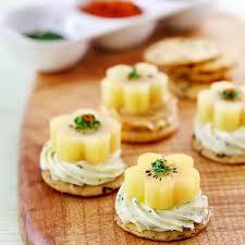 canap recette facile canape recipe easy egg salad on radish slices canape