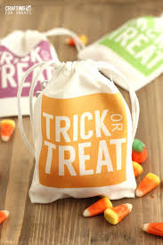 halloween bags easy halloween treat bags the country chic cottage creative and