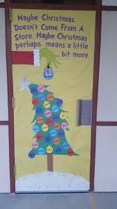 Christmas Door Decorating Contest Each Window by Best 25 Preschool Door Decorations Ideas On Pinterest Preschool