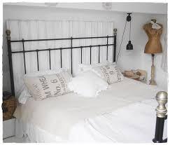 Schlafzimmer Wand Hinterm Bett Shabby Landhaus Schlafzimmer