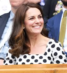 hairstyles for giving birth kate middleton debuts a new haircut at wimbledon instyle co uk