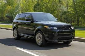 porsche cayenne or range rover sport 2016 porsche cayenne vs 2016 range rover sport which is better