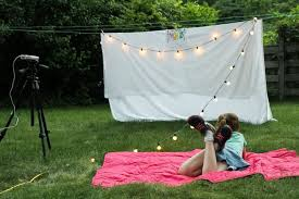 Backyard Outdoor Theater by Diy Outdoor Movie Night Momadvice
