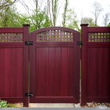 illusionsfence vbg4 46 mahogany crowned pvc vinyl gate with square