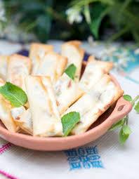 cuisine brousse bricks aux dattes et brousse de brebis pour 6 personnes recettes