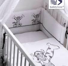 chambre bébé tigrou tour de lit tigrou babimex