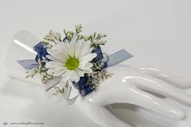 corsage for prom corsage boutonnieres prom homecoming vickie s flowers brighton