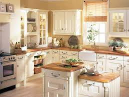 cuisine ancienne bois repeindre une cuisine en bois élégant cuisine ancienne pour un