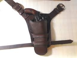 laura croft halloween costumes rise of the tomb raider holster tutorial cosplay pinterest