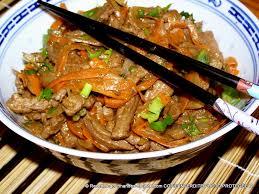 cuisine chinoise boeuf aux oignons émincé de boeuf aux carottes oignons et épices chinoises